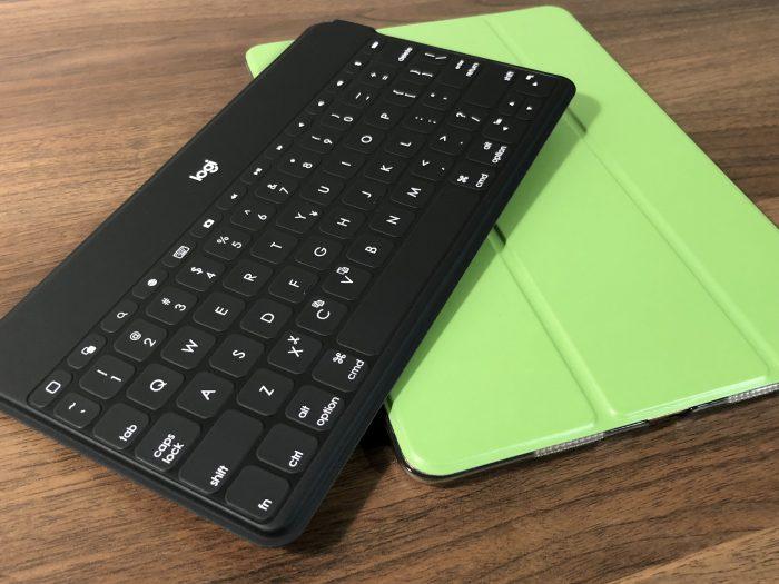 【レビュー】logicoolの超薄型キーボードに新型が登場『logicool ウルトラポータブルキーボード iK1042BKA』を購入!!