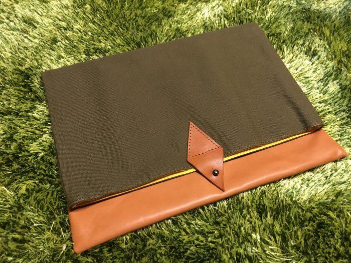 【レビュー】本革を贅沢に使った『MacBook12インチ用クラッチバッグ』が高級感ありすぎ!!MacBookをスタイリッシュに持ち歩けるぞ!!